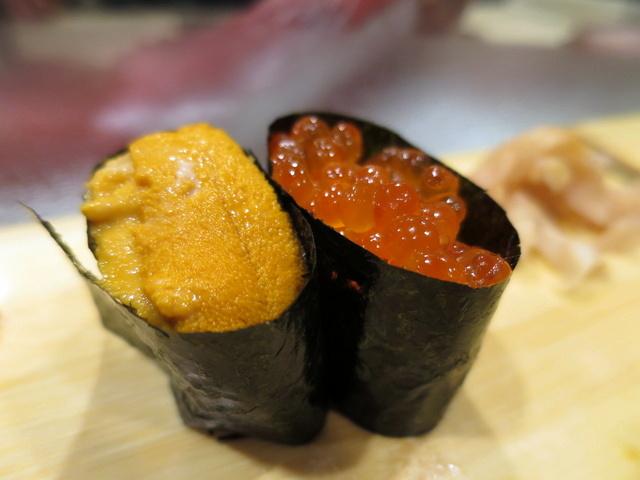 Ikura - ביצי סלמון, ו-Uni - קיפוד ים. בושם יוצא דופן